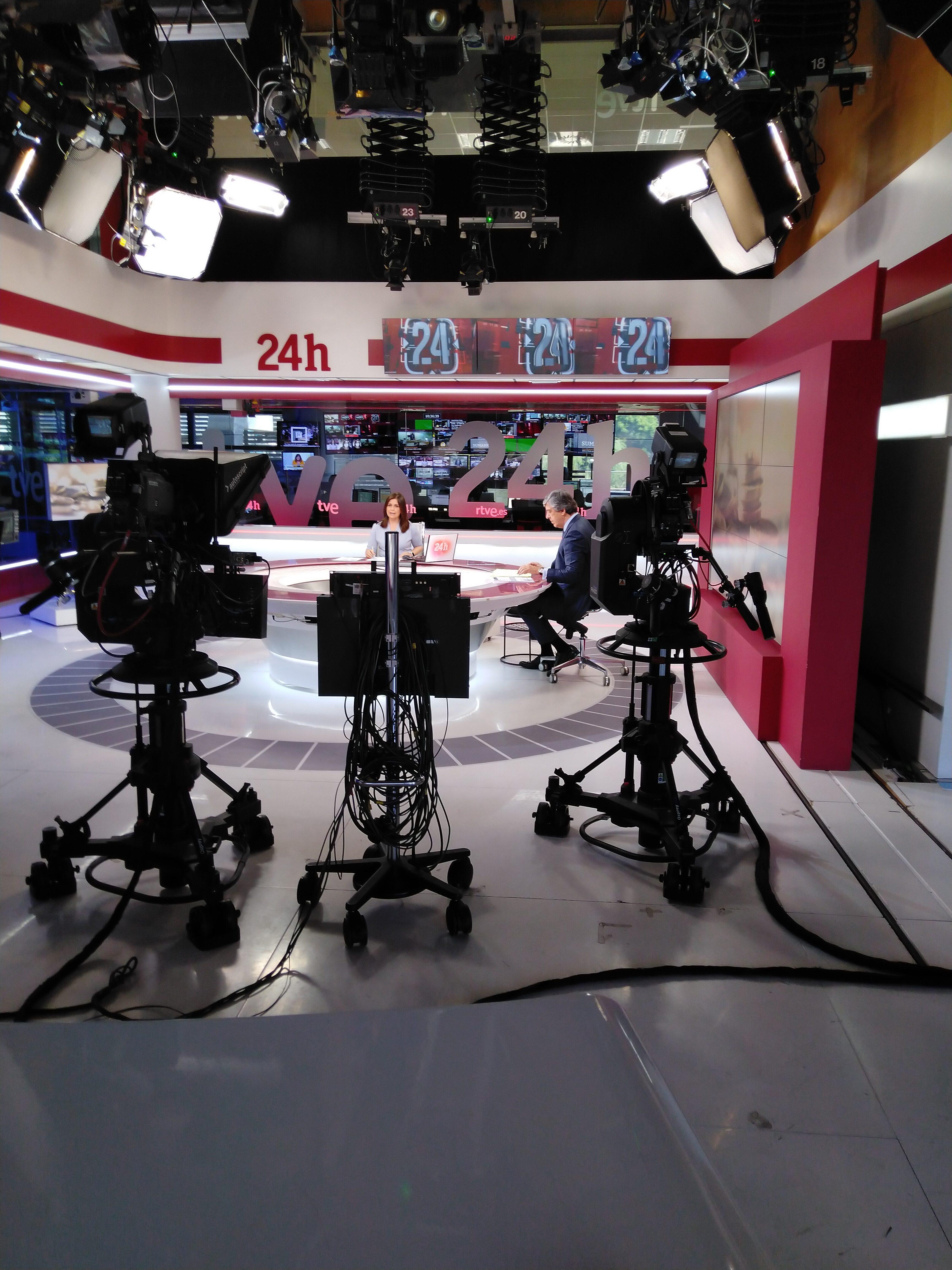 Entrevista a nuestro presidente, José Luis Cortina, en el Canal 24 Horas sobre la situación actual de la Banca